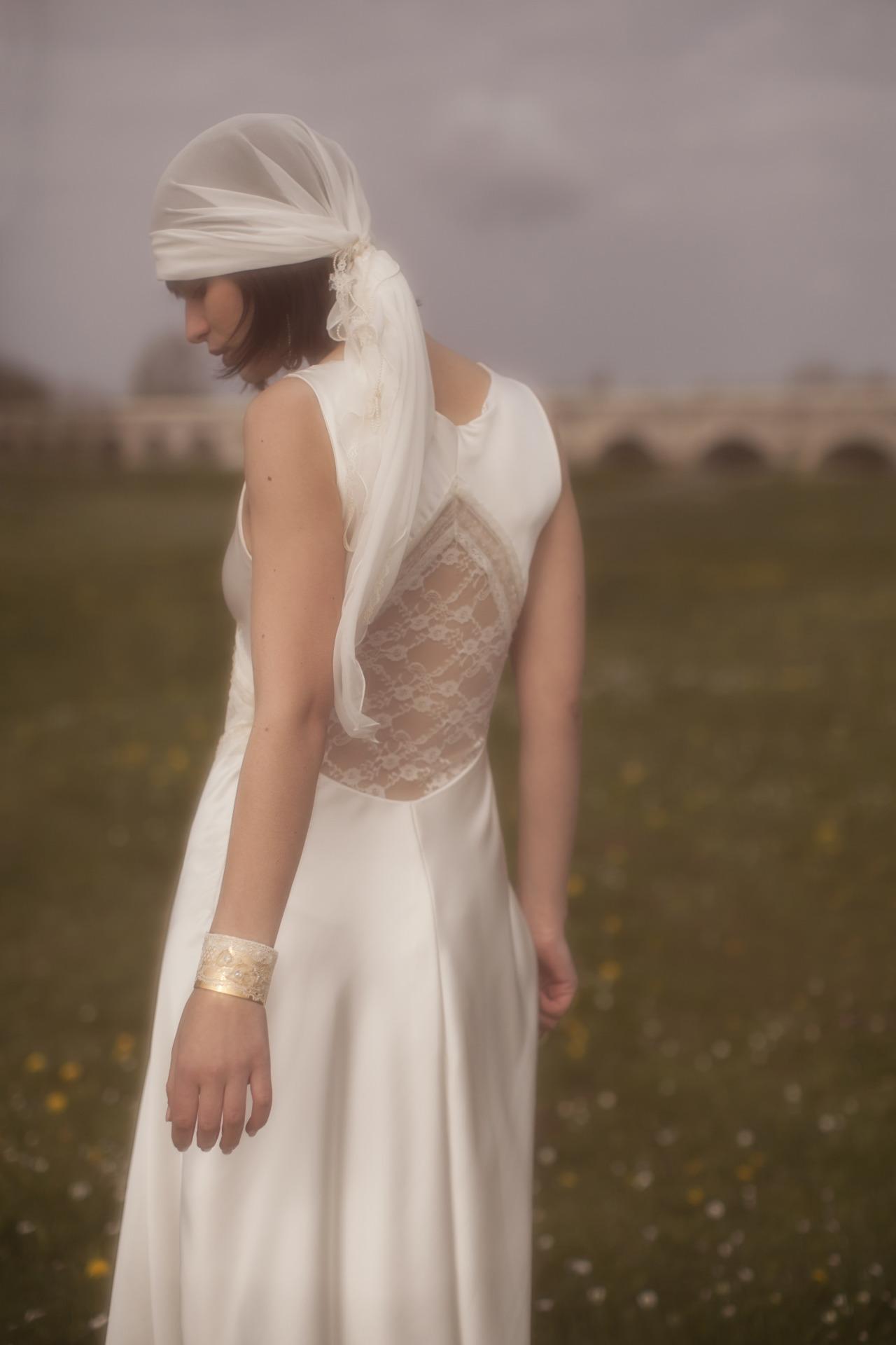 Robes-de-mariée-Elsa-Gary-2016-Collection-les-jolies-filles-Modèle-Janis-02